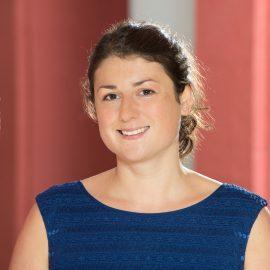 Portrait von Dr. Lena Veit